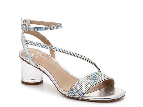 水钻透明跟凉鞋