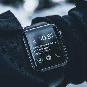 $439(原价$559)随时断货Apple Watch Series 3  GPS + Cellular智能手表