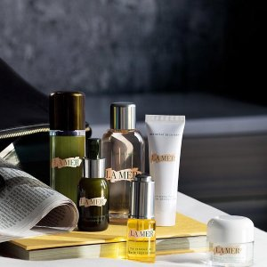 Two complimentary deluxe mini'sThe Reparative Body Lotion & The After Sun Enhancer with your purchase @ La Mer