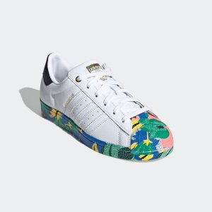 $130包邮上新:adidas Superstar 彩色底女鞋 这样的贝壳头你萌可喜欢