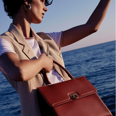 Additional 30% offDealmoon Exclusive: ShopWorn Ferragamo Bags