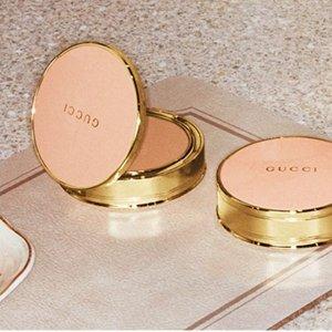 €53即可入手Gucci 颜值逆天玫瑰粉饼 德国震撼发售 复古金边自带滤镜