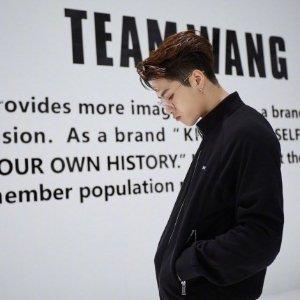 潮酷机能工装风 $188收卫衣Team Wang 王嘉尔个人品牌 开卖啦 加拿大也能买得到