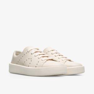 小牛皮奶油白鞋