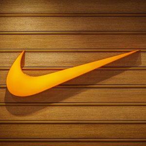 6折起+学生额外9折上新:Nike 折扣区运动鞋服 $66收白红配色阿甘鞋