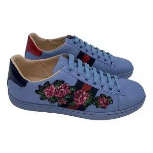 Gucci绣花小白鞋