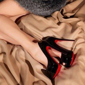低至5折 收霸气女王范儿Gilt Christian Louboutin 经典红底鞋热卖