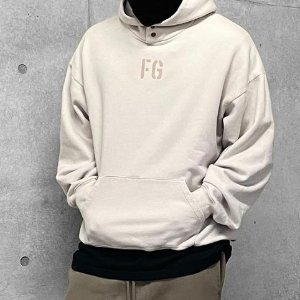 Fear of God简约百搭款,男女都可穿Taupe 'FG' Hoodie