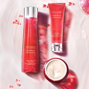 Enjoy up to 10-pc free giftEstee Lauder Nutritious Super-Pomegranate purchase