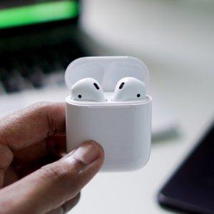 折后169 佩戴超舒适Apple AirPods 2 无线充电盒版热促 苹果设备的最佳伴侣
