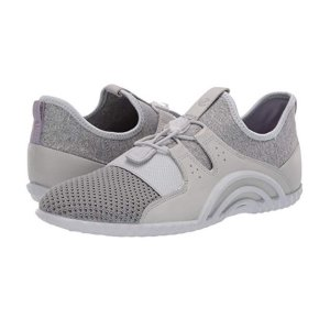 现价$43.85(原价$130) 官网在售$99手慢无:ECCO 女款休闲鞋6/6.5码优惠