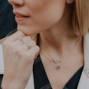 低至5折 黑天鹅项链$47Swarovski 首饰热卖 入手经典黑天鹅系列,凑单超划算