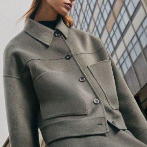 2.7折起!奶白半身裙£31上新:COS 冬季大促上新货 北欧秋冬简约风大衣、毛衣逆天好价