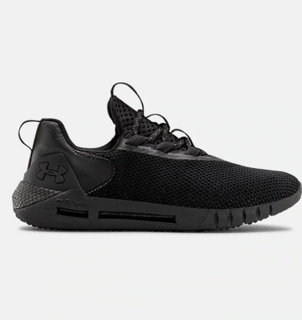 黑色网格运动鞋