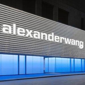 3折起!水钻包£318就收Alexander Wang 超强大促 大量热门单品加入 收水钻包、卫衣
