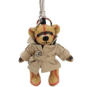 满额8.5折 £144收封面款小熊Burberry 配饰专区折扣进行时 经典色格纹围巾都有