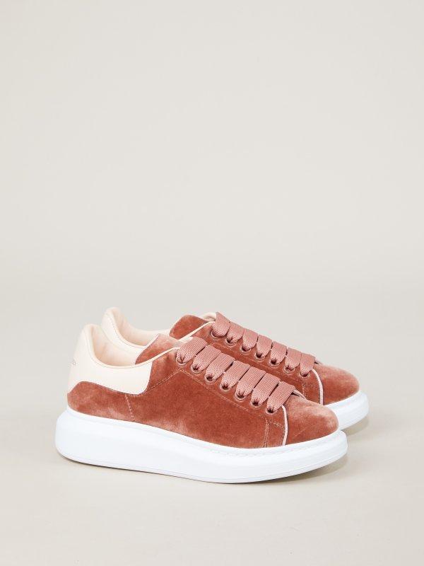 丝绒小白鞋