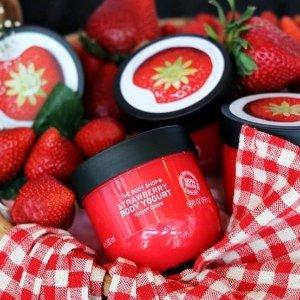 $13.65(原价$16)The Body Shop草莓酸奶身体乳 200ml 给你一个香香的夜晚
