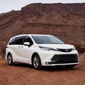 四驱 混动 下半年上市2021 Toyota Sienna Minivan 换代发布