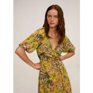 Mango3件7折;4件6折度假收腰长裙