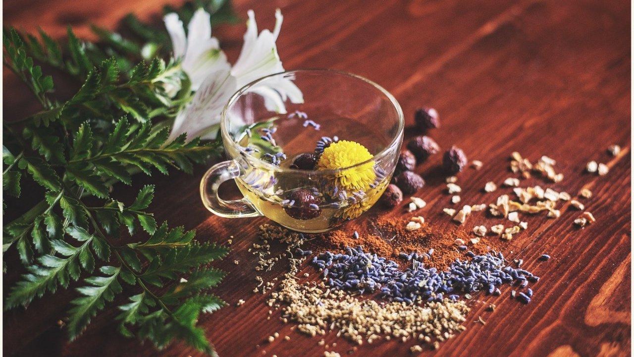 在家宅着没事干,不如泡点花茶养身体啊┃8款花茶配方帮你养生美肤!