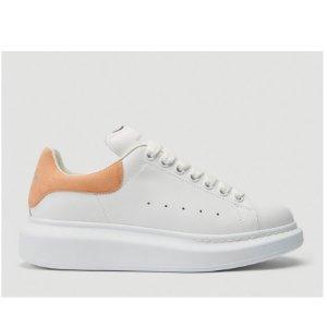 $575(原价$766)近期好价:Alexander McQueen 蜜桃黄尾小白鞋