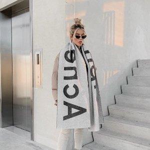 无门槛9折 收北极狐合作款Acne studios 服饰、鞋包好价上新 围巾、囧脸帽全都有