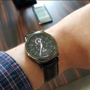AU$259Samsung gear S2 经典版智能手表
