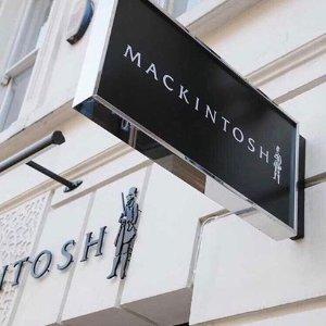 探店亲测 没想到居然是治愈强迫症的绝佳去处Mackintosh 起源于苏格兰的百年风衣老品牌 据说早于BBR?