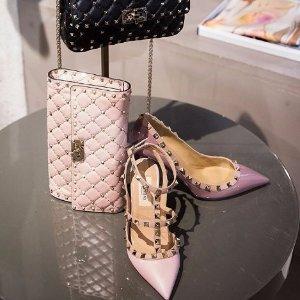 低至6折+包邮 新款丝绒绑带鞋美上天Valentino官网季末大促,各色铆钉鞋,$500出头就有