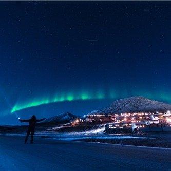 <5天>2次小木屋观测极光+限时免费升级酒店:可参加陆路/飞跃北极圈极光追踪、珍娜温泉、狗拉雪橇、冰钓必玩体验+赠送北极光观测证书