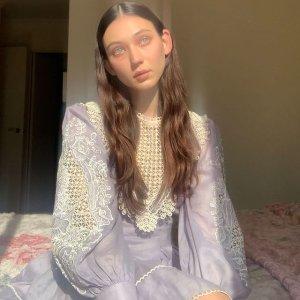 精选8折 毛线背心$156Alice mccall官网 冬季新品限时折 收可爱针织上衣、气质连衣裙