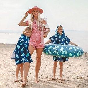 低至5.4折 浴巾披风$8Indigo 儿童夏日必备 水壶$6.5 双面渔夫帽$10 沙滩浴巾$12