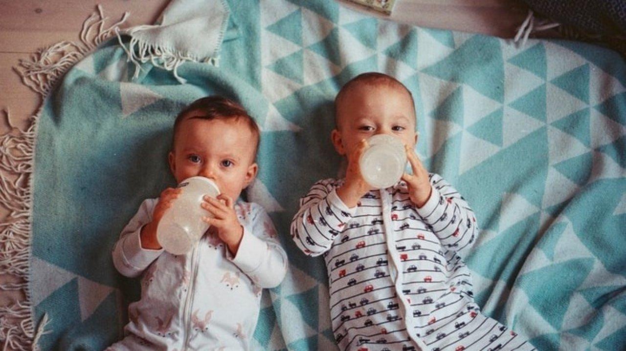 What?两个月宝宝自主入睡,不喝夜奶,睡整觉!快来了解,让我们一起轻松带娃!