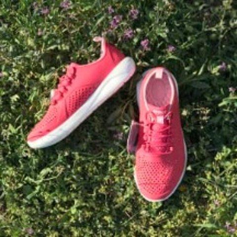 $38.49 (原价$54.99)  6色Crocs  LiteRide™ 大童运动鞋  小脚丫成人可穿