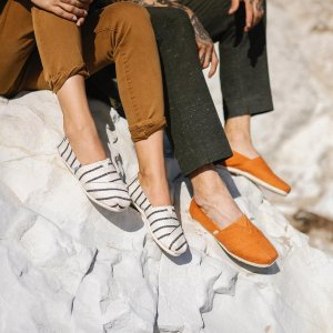 Ending Soon: 30% OffSelect Shoes @ TOMS