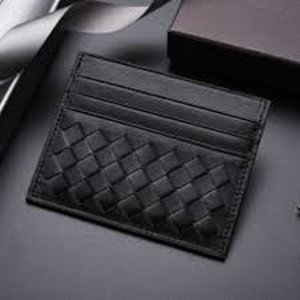 定价优势 6.9折起 三色可选Bottega Veneta 卡包 $245(官网定价$351)收封面类似款卡包