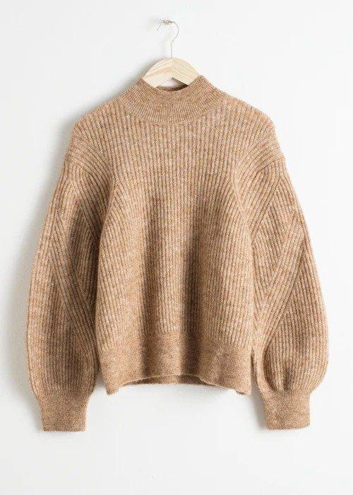 奶茶色廓形毛衣