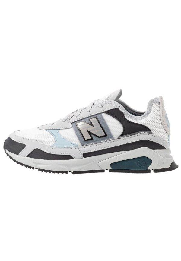 撞色运动鞋