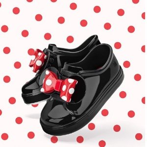 Up to 40%Mini Melissa Kids Shoes Sale @ AlexandAlexa