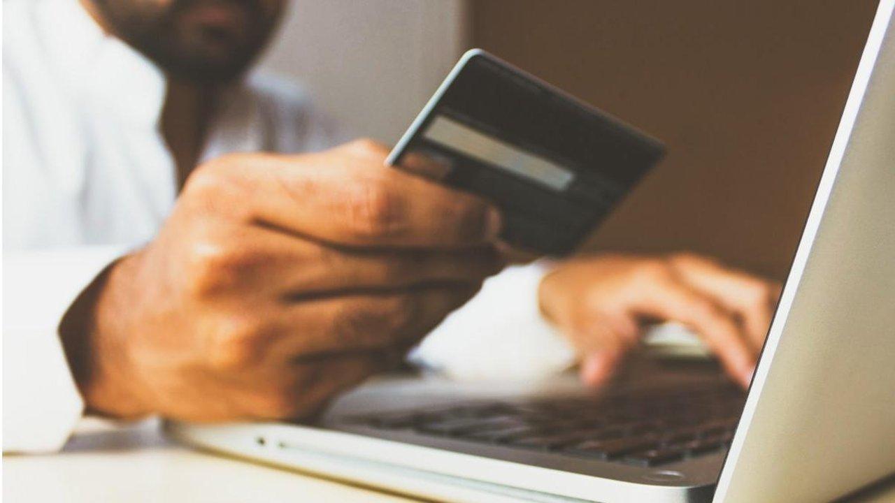 加拿大信用卡指南:哪些卡返现最高、加拿大常见信用卡年费比拼,一帖告诉你!
