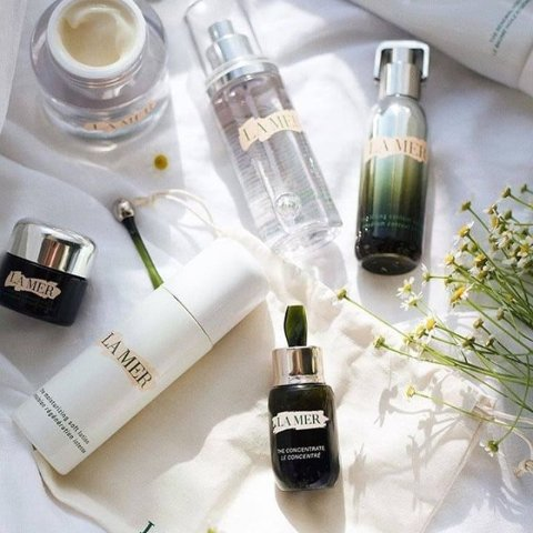 Up to $700 Gift Card+Free GiftSaks Fifth Avenue Beauty Event