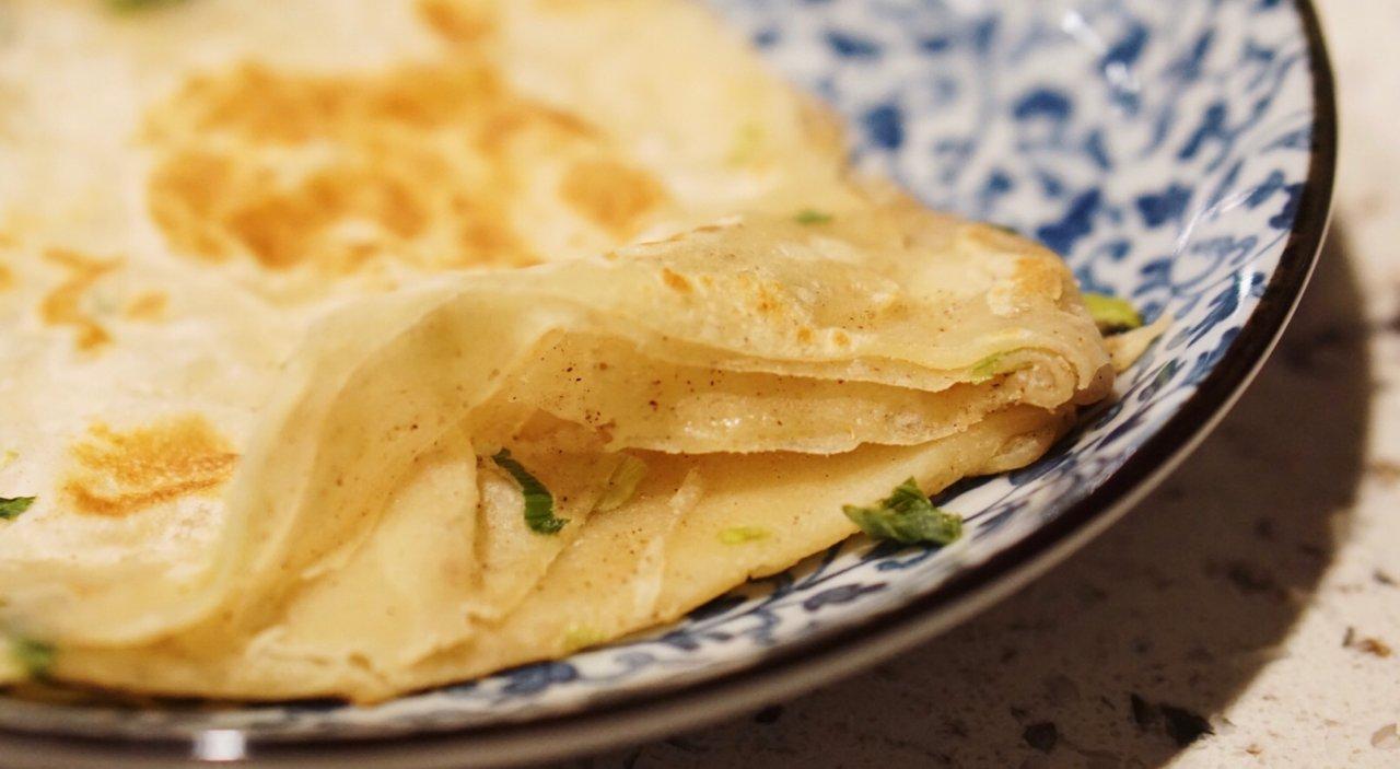 层次分明、外酥内软的葱油饼原来这么简单!