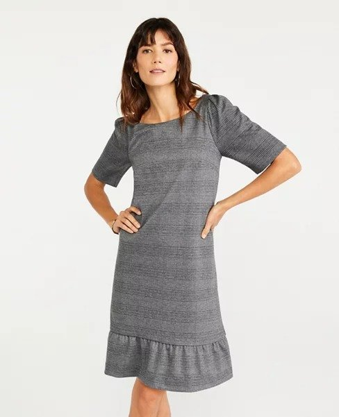 格纹连衣裙
