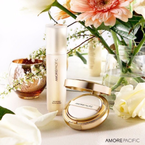 Receive a Travel Size THE ESSENTIAL CREME FLUIDWith any Order @Amorepacific