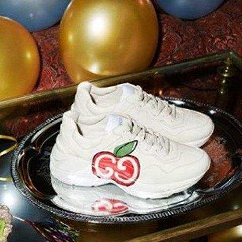 全9折 Gucci小白鞋£200 GG小脏鞋£149Farfetch 童鞋专区 38码在线 Gucci、GG小脏鞋、Burberry冰点价