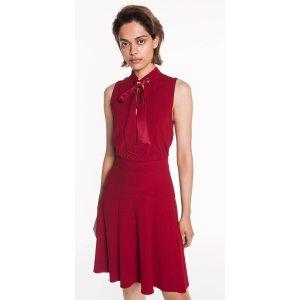 CUE红色连衣裙