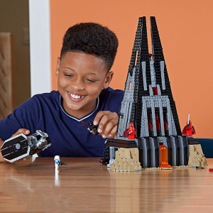 $95.91(原价$149.99) 影迷必入Lego 乐高 星球大战,达斯-维达的城堡(1060pcs)史低价