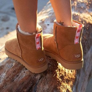 Up to 70% Off + 10% OffDealmoon Exclusive: UGG Australia Closet Sale