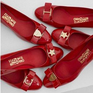 低至7折 蝴蝶结鞋$367起Salvatore Ferragamo官网 春夏大促开启 收经典蝴蝶结平底鞋